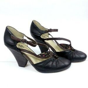 Seychelles Dolley Mary Jane Pumps